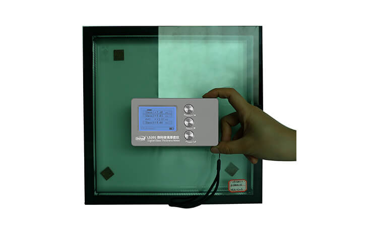 林上高精度数码玻璃测厚仪的应用