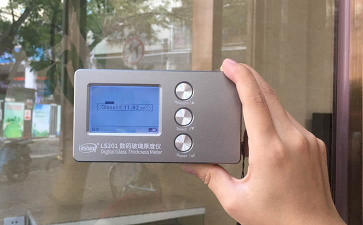 玻璃测厚仪测量单层玻璃
