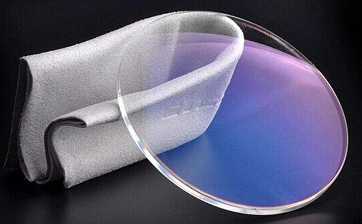 PC镜片的应用及用蓝紫光测试仪测试透过率的方法