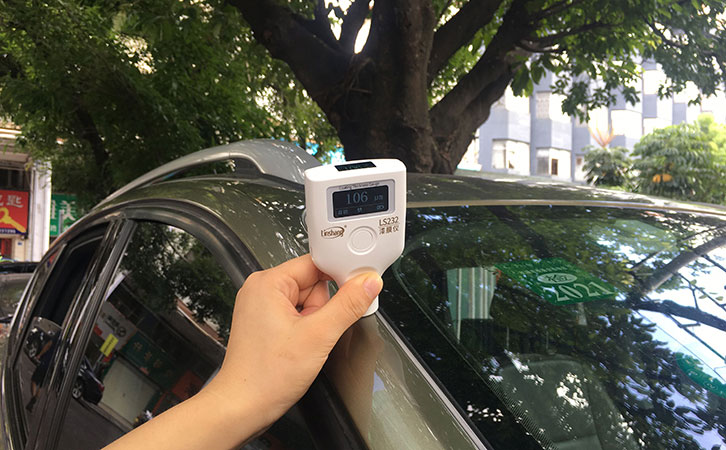 OLED双屏漆膜仪LS232测试汽车
