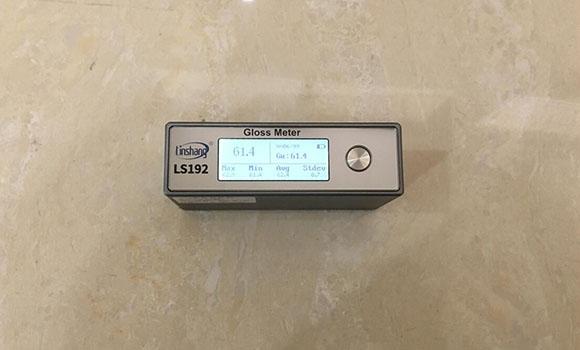 光泽度仪测量瓷砖