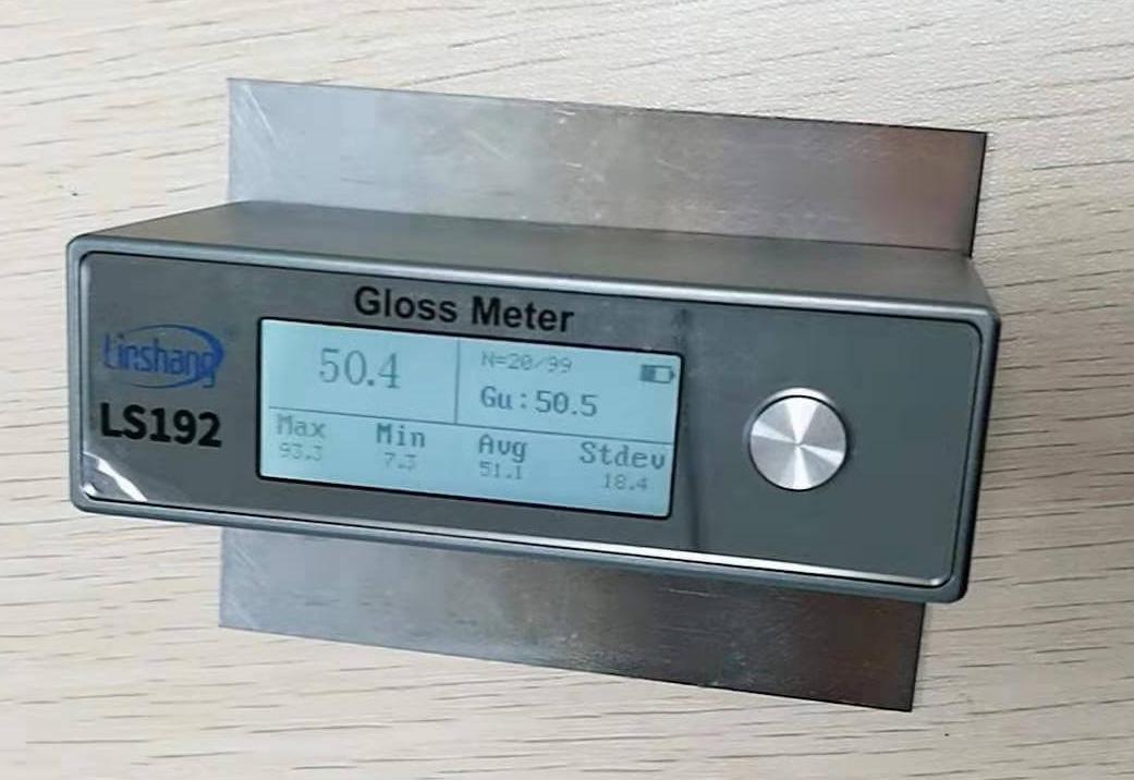 光泽度计测量不锈钢材料