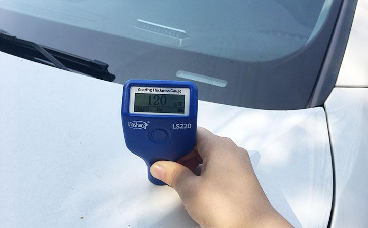 涂层测厚仪测量汽车漆面
