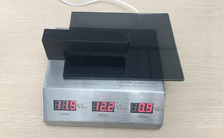 光学透过率测量仪测量玻璃