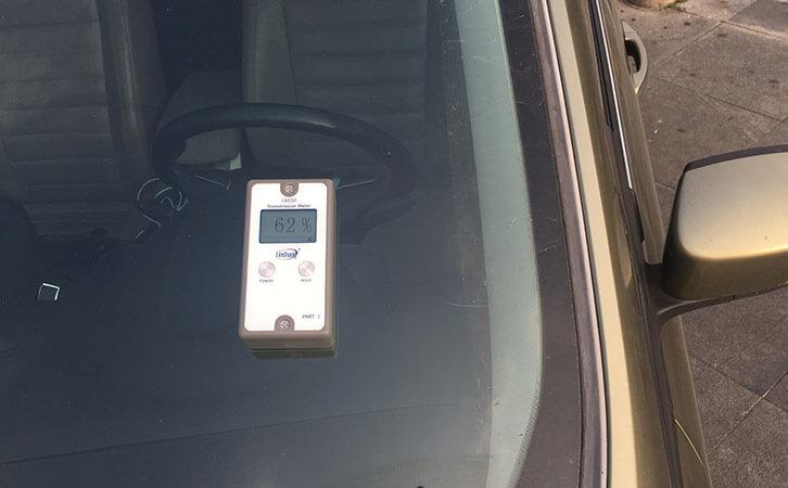 透光率计LS110测试汽车前挡玻璃透光率