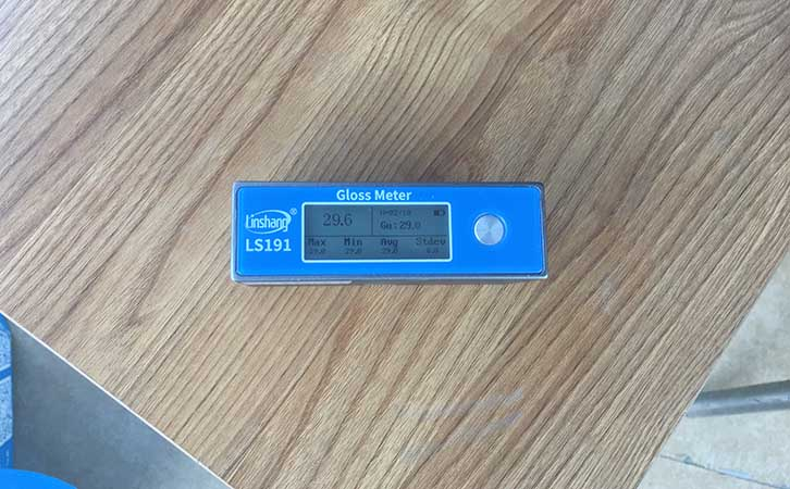 光泽度仪测量家具光泽