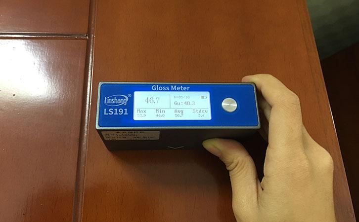 光泽度仪测量木材光泽度