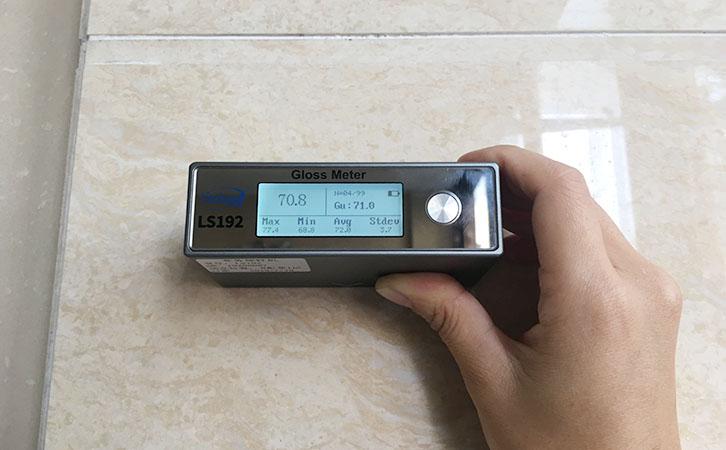 光泽度仪实测瓷砖