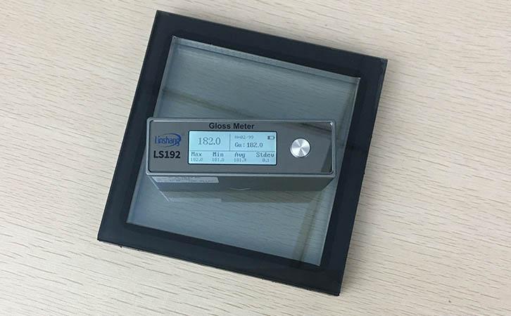 光泽度仪测量玻璃表面光泽度