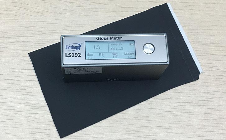 光泽度仪测量皮革光泽度