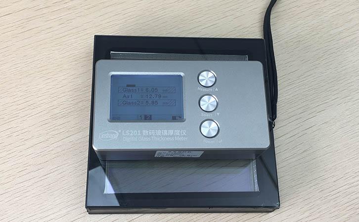 玻璃厚度仪测量玻璃厚度