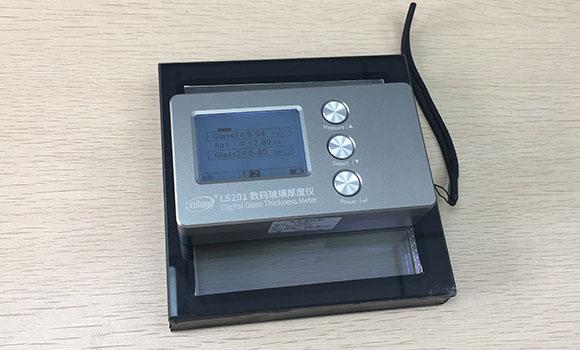 常用玻璃的规格及玻璃测厚仪的使用