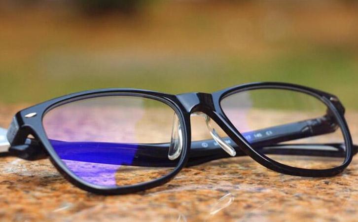 防蓝光眼镜镜片